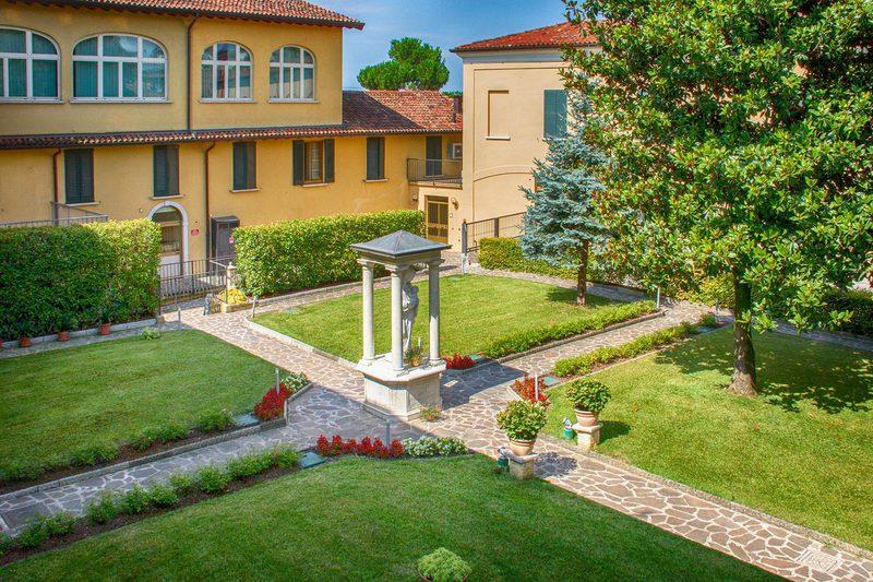 Residenza per Anziani Villa Rosa Adrano