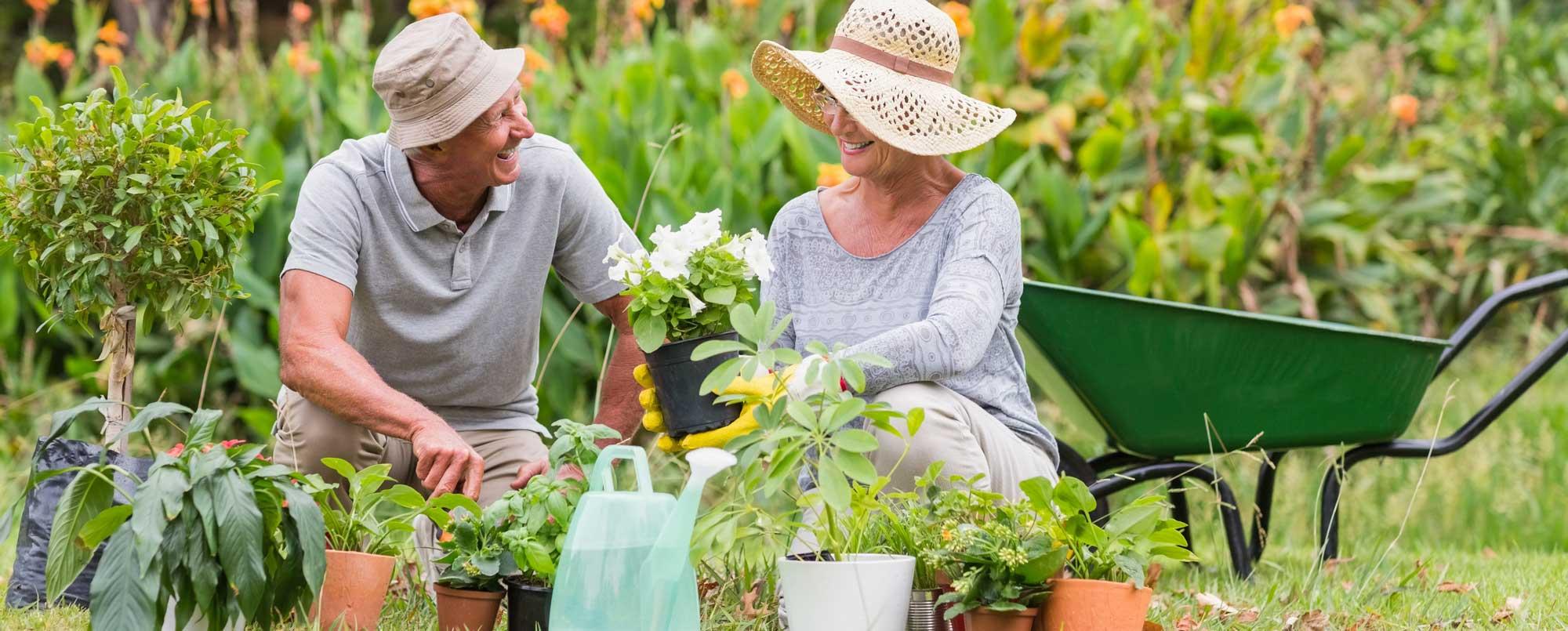 anziani-giardinaggio-hobby